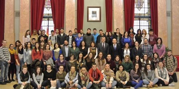 El Alcalde de Murcia recibe a los alumnos de Cesur
