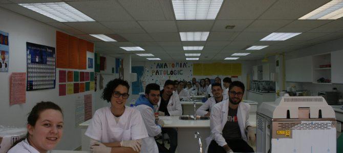 Los chicos de Imagen en el Laboratorio de CESUR Murcia